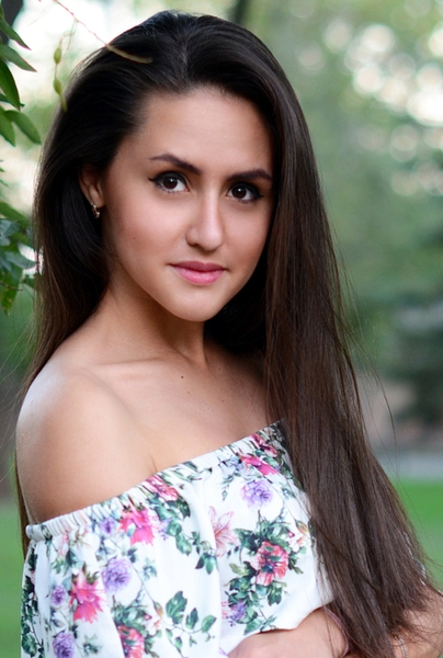 beautiful Ukrainian lady from city Mariupol Ukraine