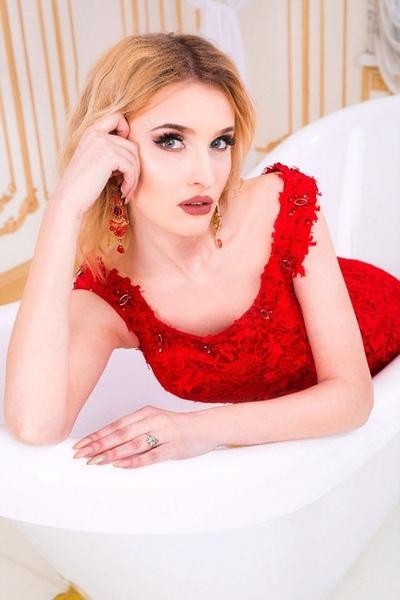 harmonious Ukrainian marriageable girl from city Kiev Ukraine