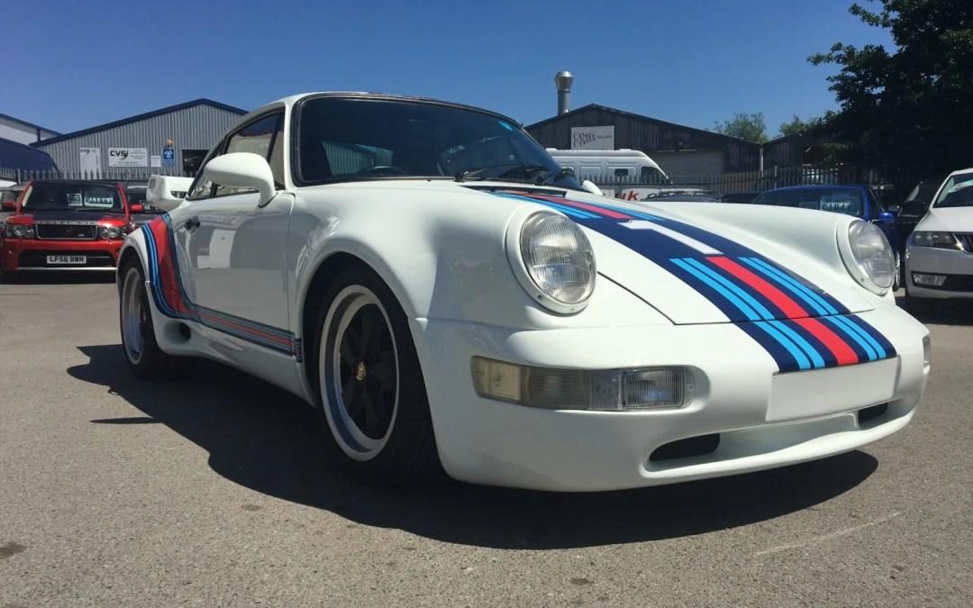 Porsche 911 364 Widebody – Martini
