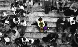 Comment reconnaître qu'une personne souffre de solitude et comment y remédier ?
