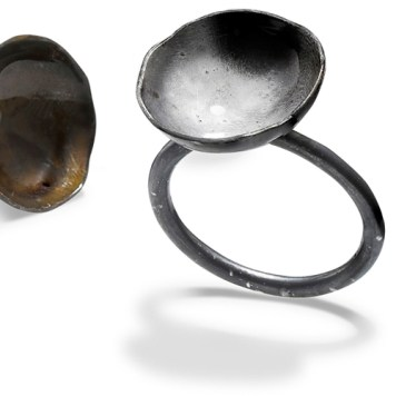 5_HUNN by Karina Hunnerup_SAME FLAME, YET DIFFERENT rings, CLOSE UP, sterling silver and laquer_photo James Bates