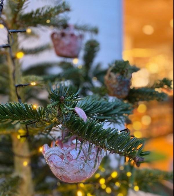 Glædelig 1. december  Nye keramikere og kunsthåndværker julegaveideer i butikken