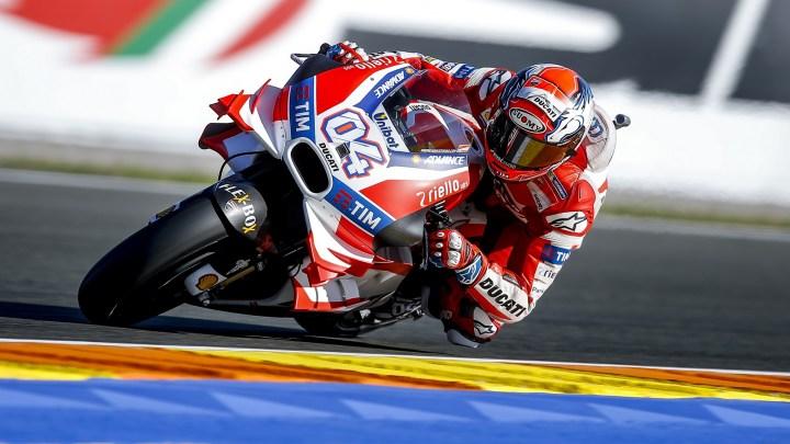 Seconda fila per Andrea Dovizioso, quinto nelle qualifiche del Gran Premio de la Comunitat Valenciana a Cheste. Andrea Iannone, settimo, partirà dalla terza fila
