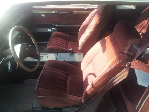 Buy Used 1986 BUICK REGAL WITH BUCKET SEATS NO RESERVE
