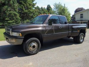 Sell used 97 Dodge 3500 Dually Ext Cab 4x4 in Kittanning, Pennsylvania, United States