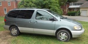 Find used 2000 Toyota Sienna XLE 5Door VAN with Sunroof