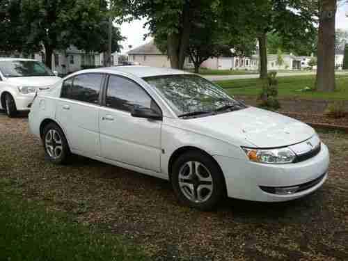 2 Ion 2003 Sedan Saturn