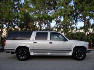 Find used 1995 CHEVY SUBURBAN 2500 454 V8 74L * NO