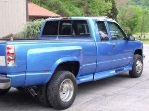 Purchase used 1997 Chevy k3500 Dually Diesel, 117k Miles 5 Spped Manual in Blountville
