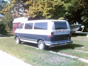 Find used 1990 Dodge B250 Base Standard Passenger Van 3