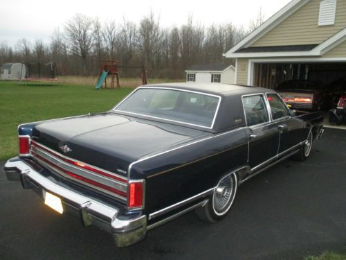 Buy Used 1979 Lincoln Continental Town Car Collector