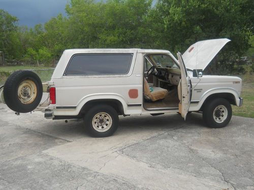 Sell Used 1982 Full Size Ford Bronco 4x4 In San Antonio