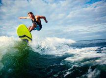 Suchen nach der perfekten Welle (Foto: Pressmaster/ Shutterstock)