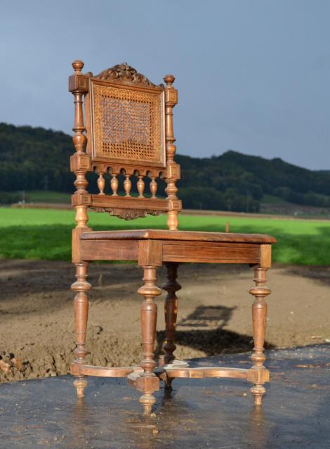 Chaises De Style Henri 2 A Gauche Beau Modle Mais