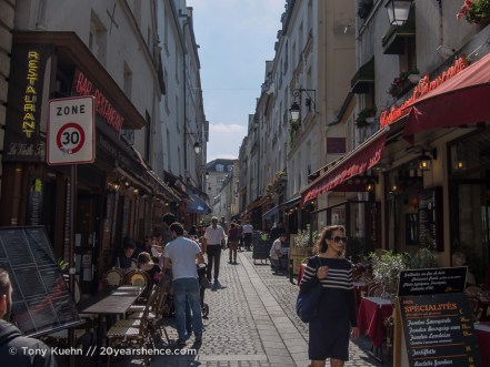 A small alley in Paris, France