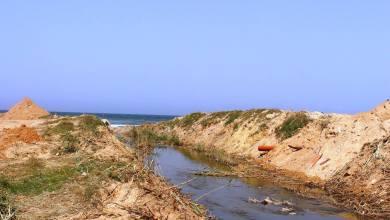 صور حديثة لتلوث مياه البحر في مدينة طرابلس