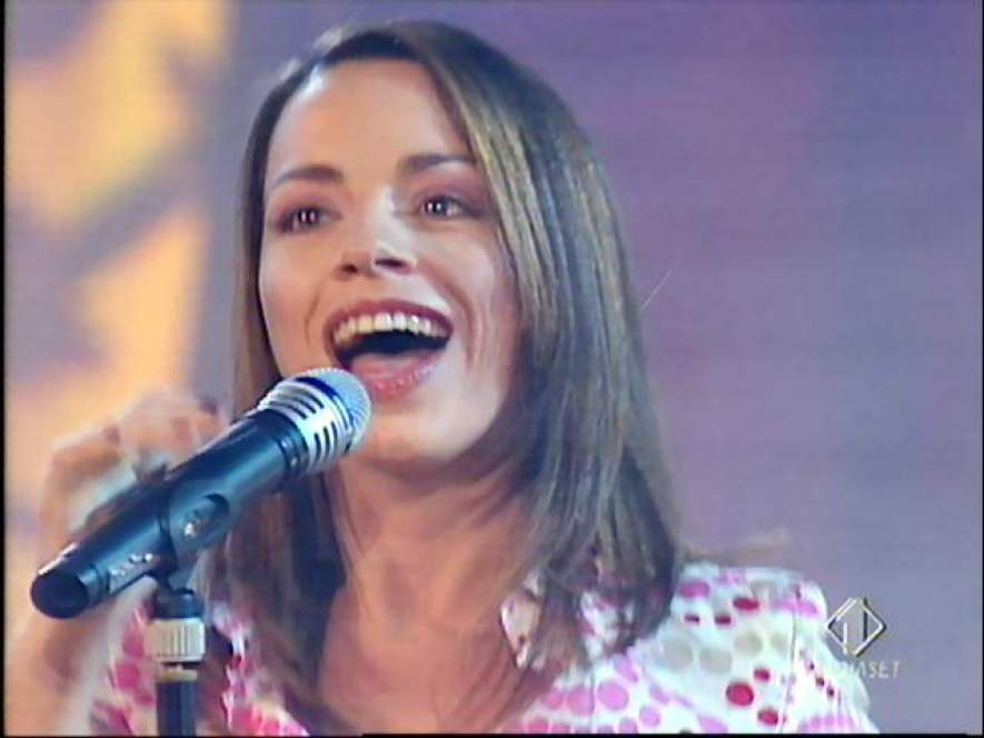 فاليريا روسى مغنية بوب مواليد 1969 طرابلس