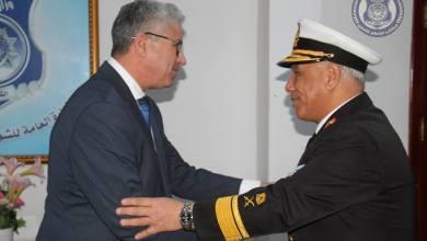 وزير الداخلية المفوض يستقبل أمر القوات البحرية