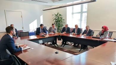 رئيس المجلس الأعلى للدولة خالد المشري مع ممثلين عن غرفة التجارة الأميركية في واشنطن
