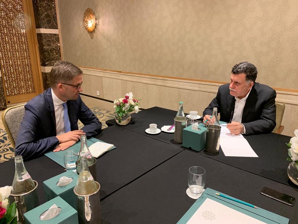 فائز السراج يلتقي في تونس مع السفير الألماني لدى ليبيا أوليفر اوفتشا