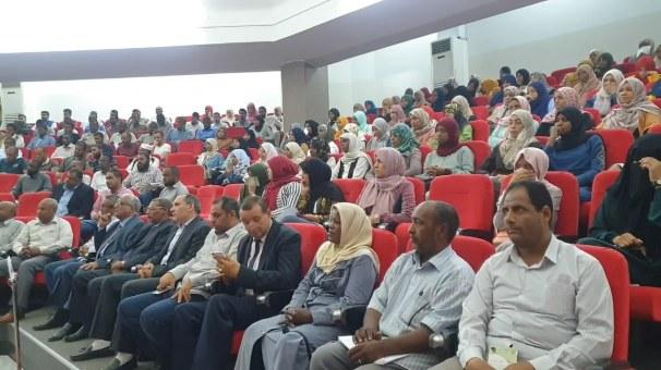 ملتقى طلبة الدراسات العليا - سبها.mp4_snapshot_00.20_[2019.09.18_23.39.38]