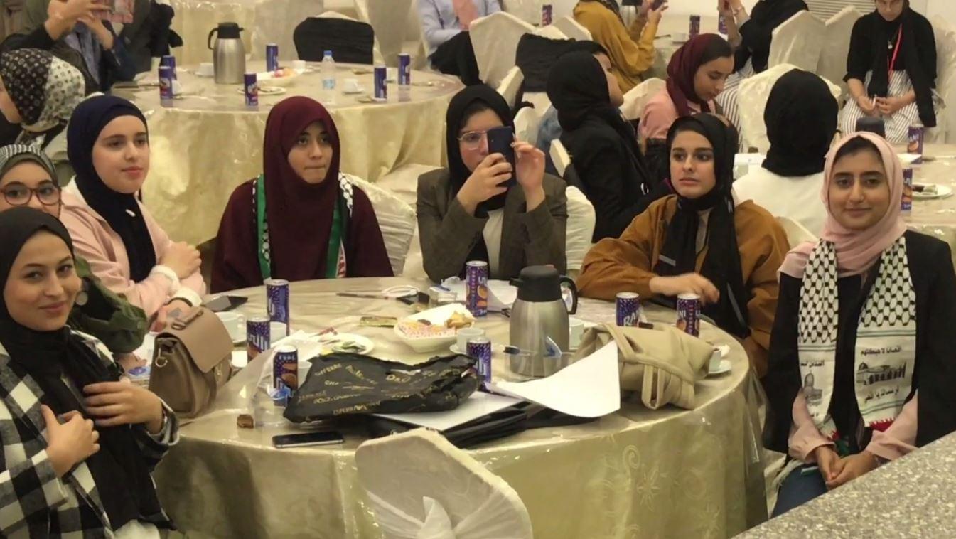 طالبات مدرسة المداد للتعليم الحر للبنات تحتفل باليوم العالمي للغة العربية - بنغازي