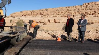عميد بلدية بني بني وليد يتفقد طريق غلبون