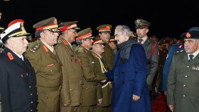 المشير حفتر يلتقي بقيادات عسكرية ووفد رسمي وشعبي بعد عودته من موسكو