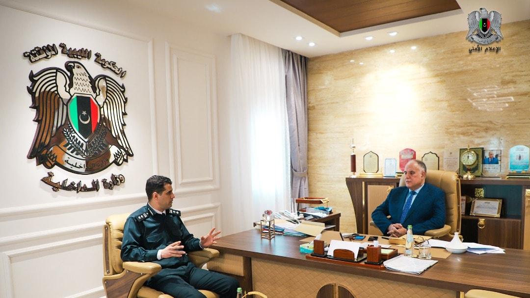 وزير الداخلية بالحكومة الليبية إبراهيم أبوشناف يجتمع بمدير أمن المرج عقيد وهبي الرخ