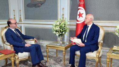 """الرئيس التونسي قيس سعيد مع وزير الحكومة إلياس الفخفاخ-""""أرشيفية"""""""