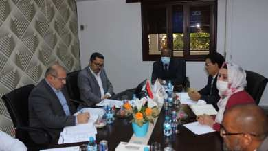 وزير العمل بحكومة الوفاق الدكتور المهدي الأمين يلتقي بجلنة إدارة التسهيلات المالية