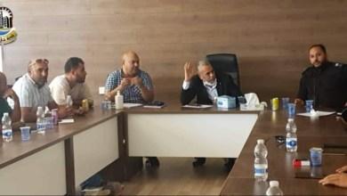 اجتماع بلدية حي الأندلس في طرابلس بشأن المحال التجارية المغلقة بسبب كورونا