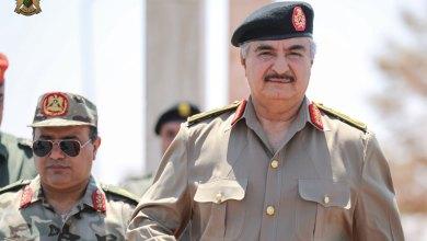 المشير يتفقد الضباط وضباط الصف بمقر كتيبة طارق بن زياد