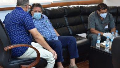 عقوب يجتمع مع الجالي لمناقشة عمل الأطقم الطبية في طبرق