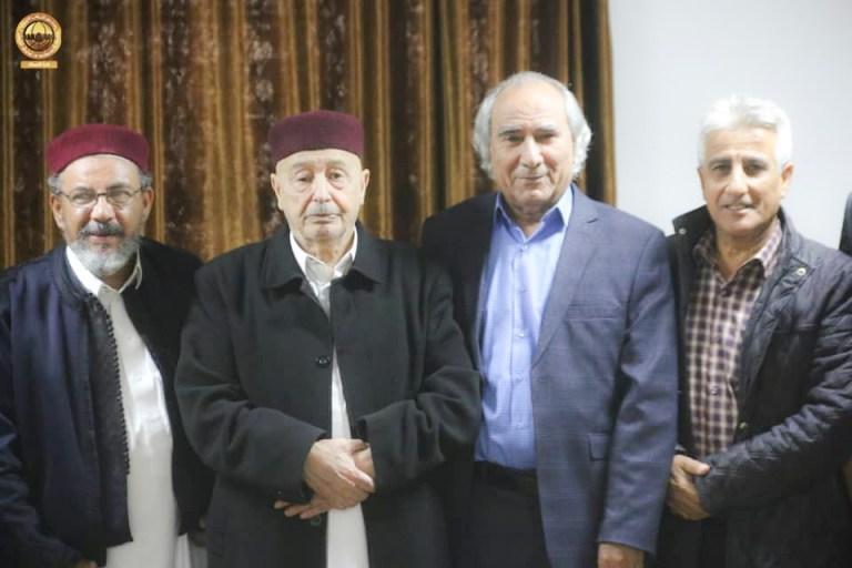 رئيس مجلس النواب عقيلة صالح خلال لقائه مع أعضاء التكتل الفيدرالي