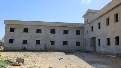 استئناف تشييد مدرسة الدويس بمنطقة مشروع الهضبة في طرابلس