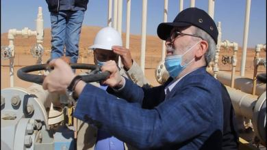 المهندس مصطفى صنع الله -رئيس المؤسسة الوطنية للنفط يفتتح حقل سيناون المكتشف سنة 1980