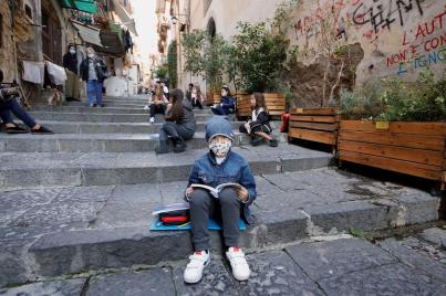 173-194324-corona-streets-italian-town-school-5