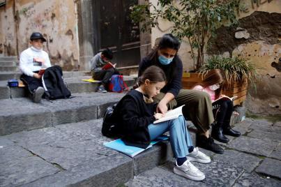 173-194325-corona-streets-italian-town-school-7