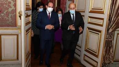 السيسي يصل باريس وليبيا على جدول المباحثات