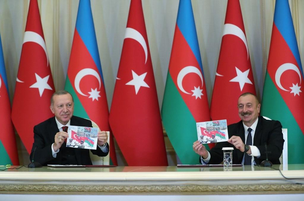 """""""أردوغان"""" مع رئيس أذربيجان """"إلهام علييف"""" في مؤتمر صحفي بالعاصمة الأذرية باكو"""