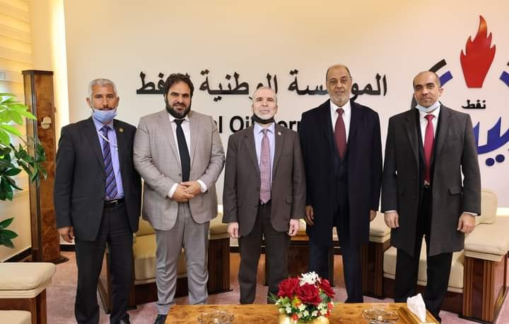 لقاء مصطفى صنع الله مع مسئولي شركة الخليج العربي للنفط ومناقشة جملة من القضايا