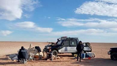 دوريات أمنية عبر صحارى الحمادة الحمراء