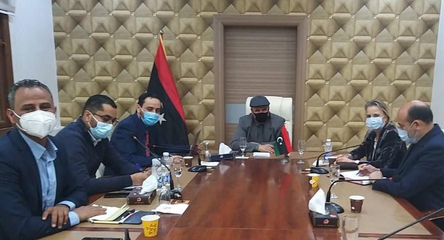 اجتماع ممثلة الصحة العالمية لدى ليبيا إليزابيث هوف مع وزير الدولة لشئون المهجرين والنازحين التابعة لحكومة الوفاق