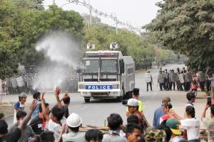 قوات الأمن في ميانيمار تقتل شخصين من المتظاهرين احجاجاً على الانقلاب العسكري
