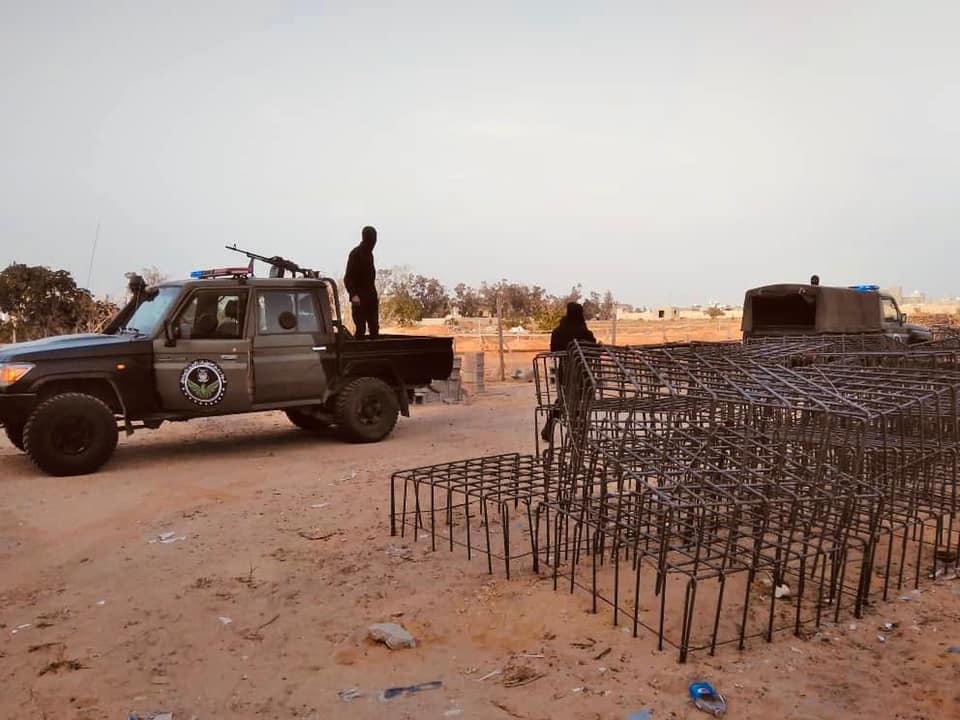 طرابلس.. وحدة القبض توقف أعمال بناء في منطقة الخلاطات