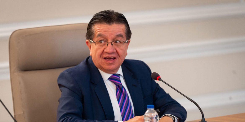 """وزير الصحة الكولومبي """"فرناندو رويز"""""""
