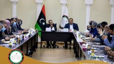 اجتماع وزير الصحة الدكتور علي الزناتي مع المجلس البلدي مصراتة ومسئولي قطاع الصحة بالبلدية
