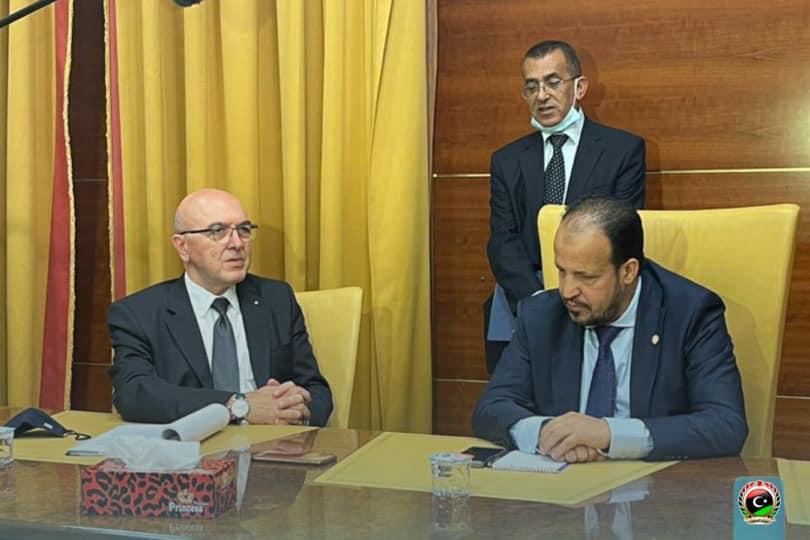 وزير الصحة علي الزناتي، مع وكيل وزارة الخارجية اليوناني