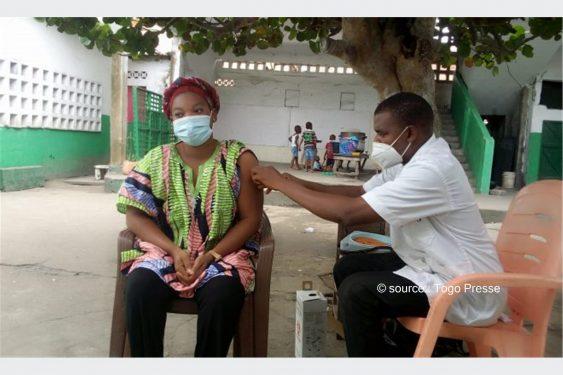 *Togo Presse* : COVID-19 :Toute la population de 30 ans et plus du Grand Lomé invitée à se faire vacciner
